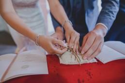 Foto der Eheringe bei der Hochzeit in Würzburg von Hochzeitsfotograf Conny Schöffmann Photography