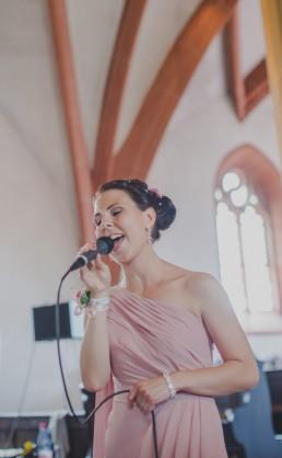 Musik bei kirchlicher Trauung in Würzburg, Foto von Conny Schöffmann Photography