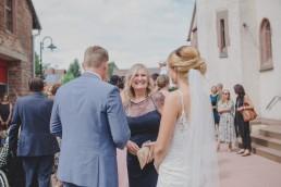 Gratulationen bei der Hochzeitsreportage von Conny Schöffmann Photography, Hochzeitsfotograf Würzburg