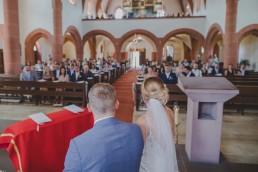 Fotos der Kirchlichen Trauung von Conny Schöffmann Photography, Hochzeitsfotografin Würzburg