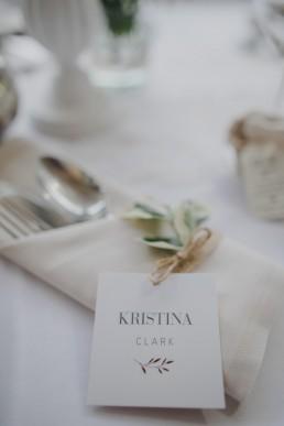 Tischdekoration der Weingut Hochzeit von Hochzeitsfotografin Conny Schöffmann Photography