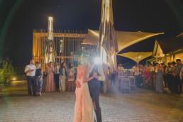 Erster Tanz der Weingut Hochzeit Würzburg fotografiert von Hochzeitsfotograf Conny Schöffmann Photography