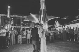 Schwarz Weiß Foto der Weingut Hochzeit Würzburg von Hochzeitsfotograf Conny Schöffmann Photography