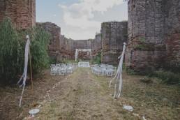 Freie Trauung in einer Burg fotografiert von Hochzeitsfotografin Conny Schöffmann Photography, Würzburg